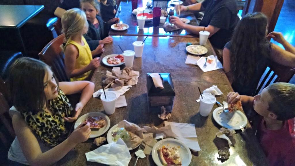 Restaurant Rules For Kids | Meemaw Eats