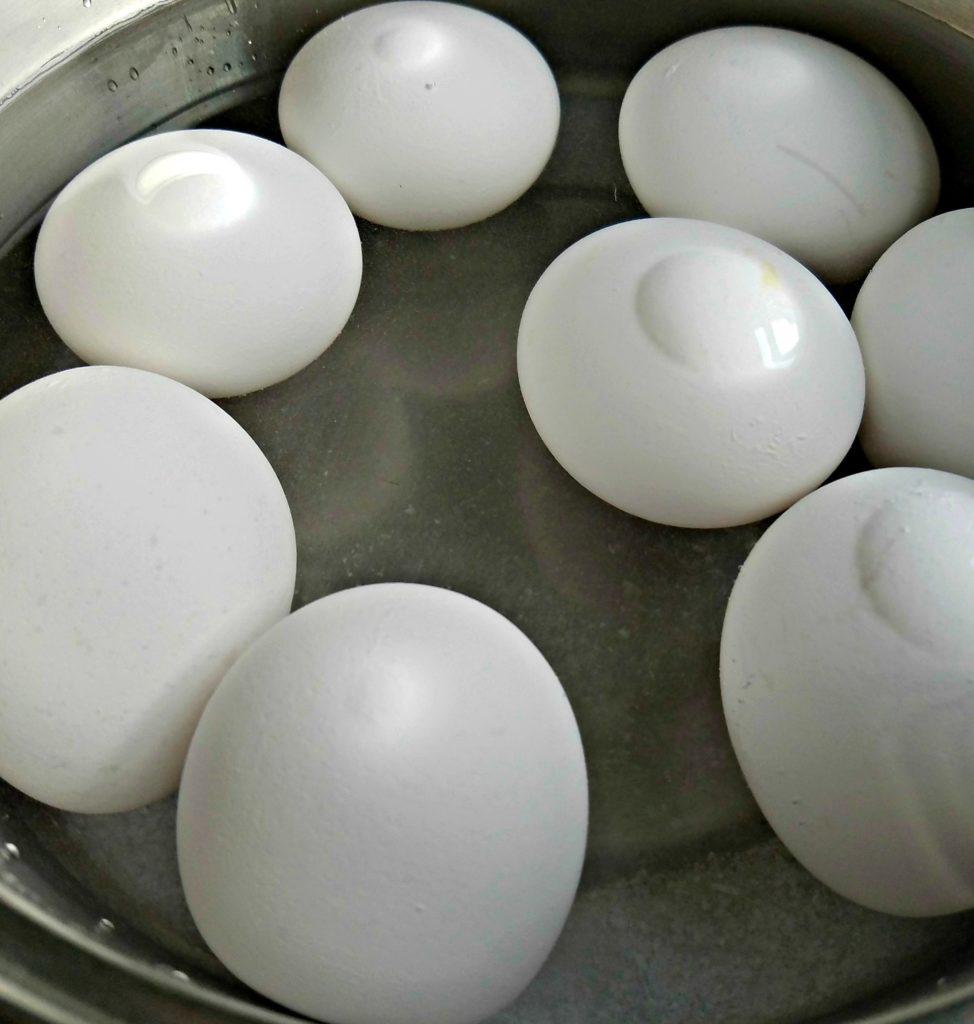 Hard Boiled Eggs | Meemaw Eats