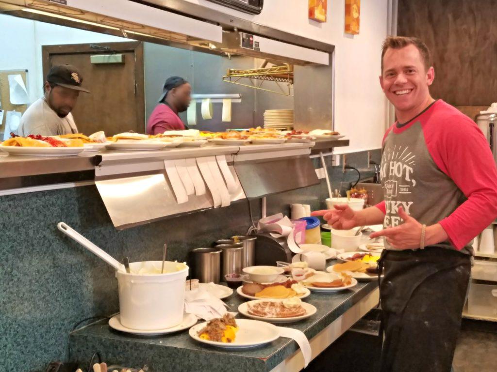 """The Pancake Pantry in Nashville…Because """"Everybody Loves Pancakes"""""""