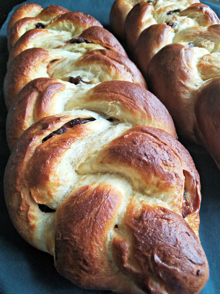 "New Friends, A Kosher Kitchen, And ""A Chelluva Challah Bread"" Recipe"